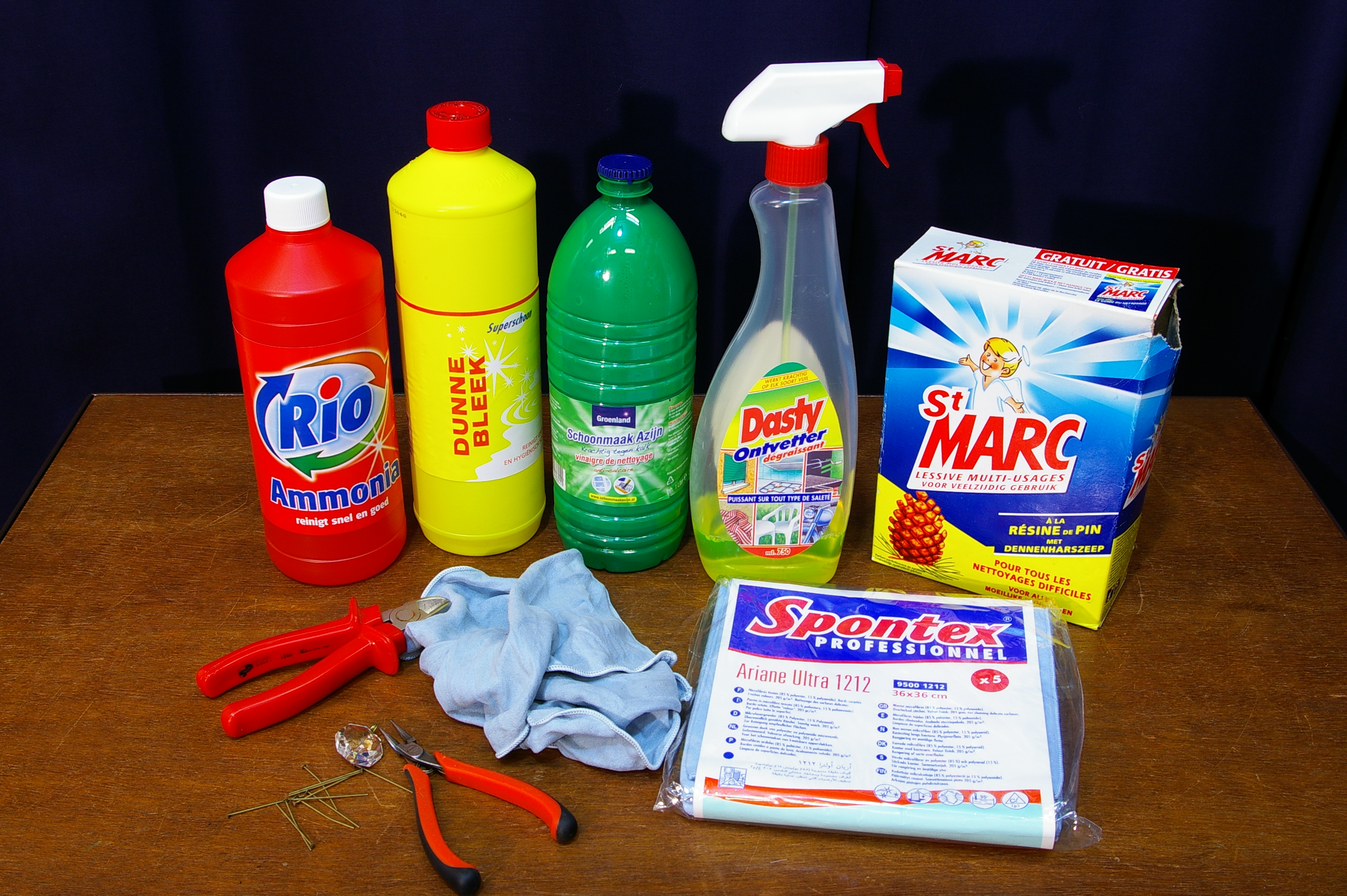 Schoonmaken kroonluchter / cleaning chandelier / reinigung Kronleuchter